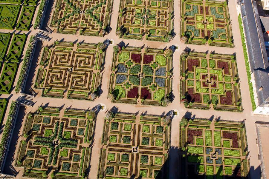 les jardins du chateau de VIllandry en Touraine au milieu des chateaux de la Loire