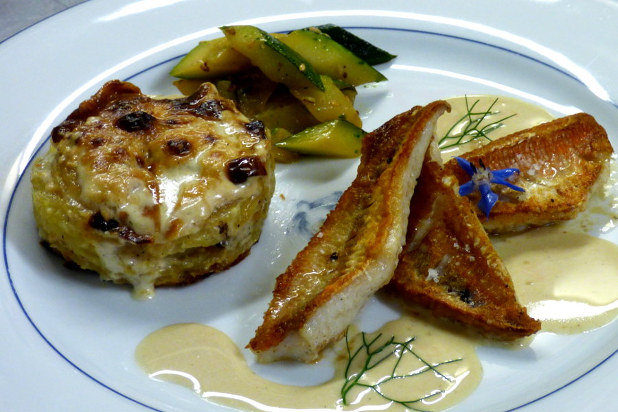assistte de filets de rouget et légumes de saison au restaurant de l'hôtel la Tonnellerie entre Orléans et Blois
