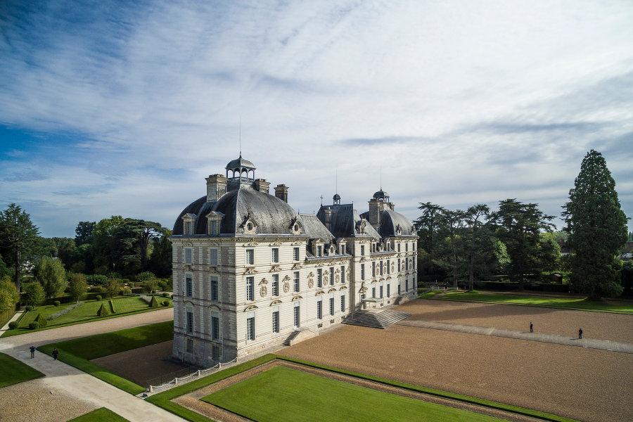 Chateau de Cheverny dans le val de Loire sur la route des chateaux de la Loire