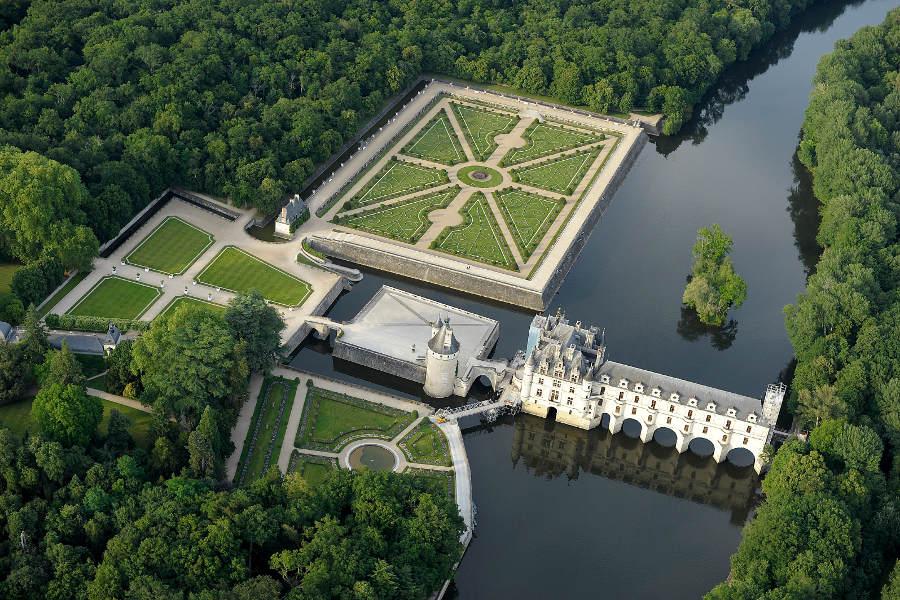 Chateau de Chenonceaux en Indre et Loire sur la route des chateaux de la Loire