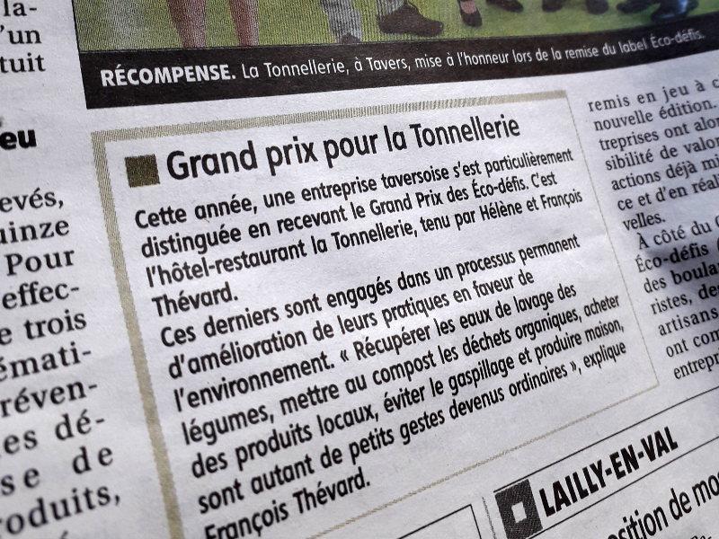 article de la republique du centre sur l'attribution du prix ecodfi de la chambre des metiers et de l'artisanat a l'hotel la Tonnellerie de Tavers