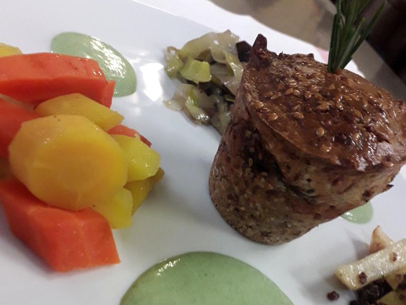 Plat vegetarien sans gluent servi dans le restaurant de l'hotel la tonnellerie de Tavers près de Meung sur Loire