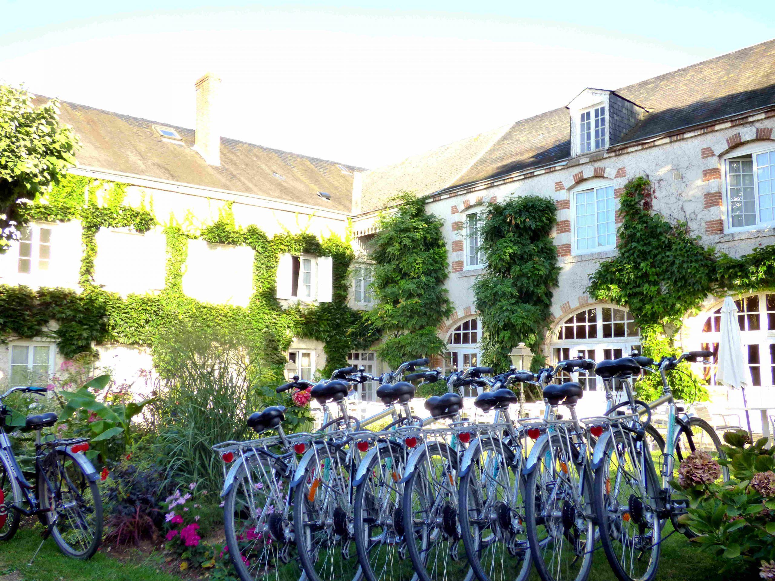 Accueil de groupe à hotel tonnellerie location de la maison pour la loire à vélo